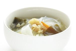 干したらと春雨スープの写真素材 [FYI04569974]