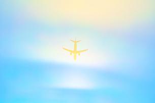 飛行機シルエット Airplane silhouetteの写真素材 [FYI04571020]