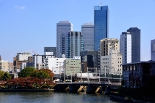 大阪,天満橋から大川とビル街の写真素材 [FYI04572621]