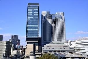 大阪,青空のなんばパークス庭園の写真素材 [FYI04572627]