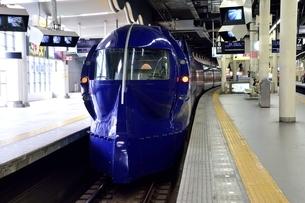 大阪,なんば駅,特急スーパラッビトの写真素材 [FYI04572630]
