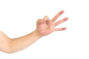 中年男性の手のポーズ OKマークの写真素材 [FYI04573916]