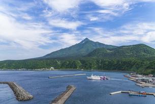 利尻島鴛泊港の写真素材 [FYI04573962]