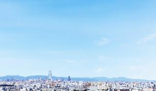 大阪の街並みと青空の写真素材 [FYI04574151]