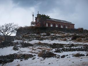 長崎県 小値賀町 雪の旧野首教会の写真素材 [FYI04577400]