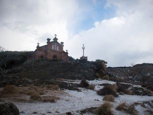 長崎県 小値賀町 雪の旧野首教会の写真素材 [FYI04577401]