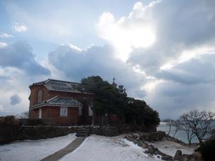 長崎県 小値賀町 雪の旧野首教会の写真素材 [FYI04577410]