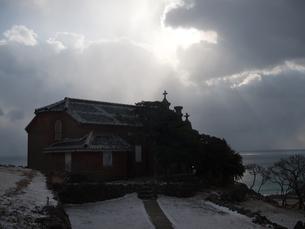 長崎県 小値賀町 雪の旧野首教会の写真素材 [FYI04577411]