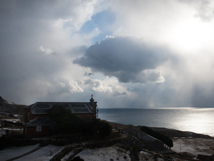 長崎県 小値賀町 雪の旧野首教会の写真素材 [FYI04577415]