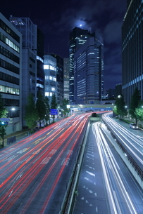 昭和通りの夜景の写真素材 [FYI04577441]