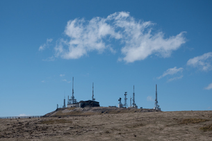 美ヶ原の放送用の発信アンテナ基地の写真素材 [FYI04577928]