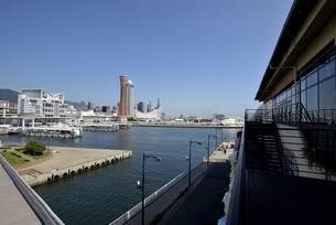 神戸,ハーバーランドモザイクからの神戸港の写真素材 [FYI04578373]