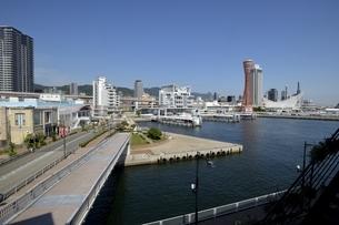 神戸,ハーバーランドモザイクからの神戸港の写真素材 [FYI04578375]