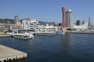 神戸,ハーバーランドモザイクからの神戸港の写真素材 [FYI04578376]