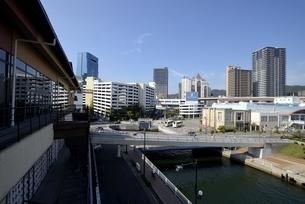 神戸,ハーバーランドモザイクからの街並みの写真素材 [FYI04578377]