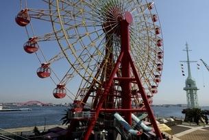 神戸,ハーバーランドモザイクの観覧車の写真素材 [FYI04578412]