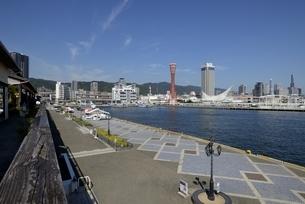 神戸,ハーバーランドモザイクからの神戸港の写真素材 [FYI04578413]