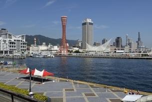 神戸,ハーバーランドモザイクからの神戸港の写真素材 [FYI04578414]