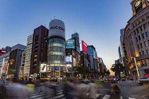東京都 中央区 銀座 銀座の夜景  の写真素材 [FYI04578793]
