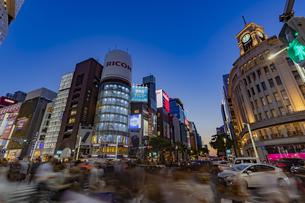 東京都 中央区 銀座 銀座の夜景  の写真素材 [FYI04578798]