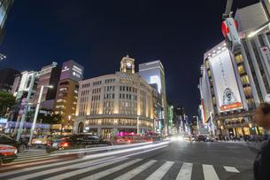 東京都 中央区 銀座 銀座の夜景  の写真素材 [FYI04578804]