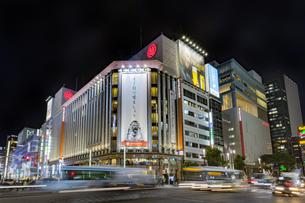 東京都 中央区 銀座 銀座の夜景  の写真素材 [FYI04578810]