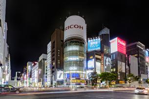 東京都 中央区 銀座 銀座の夜景  の写真素材 [FYI04578819]