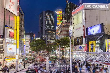 東京都渋谷区 渋谷109前の雑踏の写真素材 [FYI04578956]