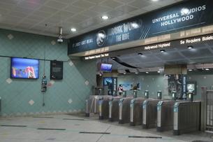 ロサンゼルス地下鉄の改札の写真素材 [FYI04579780]