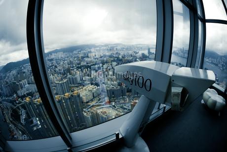 Sky100の展望台(香港)の写真素材 [FYI04580391]
