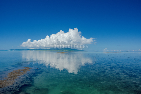 竹富島西桟橋からの眺めの写真素材 [FYI04581606]