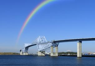 虹と東京ゲートブリッジの写真素材 [FYI04581898]