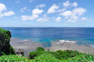 宮古島の青い海の写真素材 [FYI04581963]