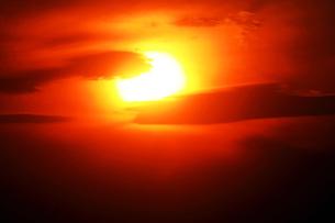 空・日没の光景の写真素材 [FYI04582007]