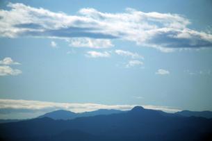 空・たなびく雲の帯の写真素材 [FYI04582025]