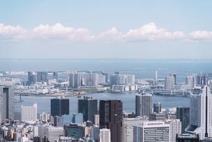 晴天の東京都心の都市景観の写真素材 [FYI04582351]