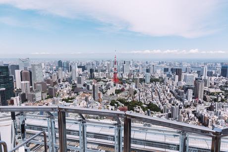 晴天の東京都心の都市景観の写真素材 [FYI04582355]