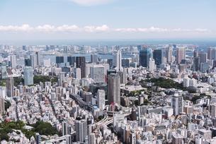 晴天の東京都心の都市景観の写真素材 [FYI04582358]