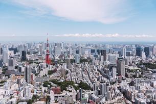 晴天の東京都心の都市景観の写真素材 [FYI04582359]