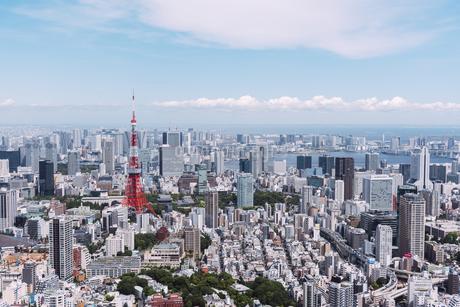 晴天の東京都心の都市景観の写真素材 [FYI04582361]