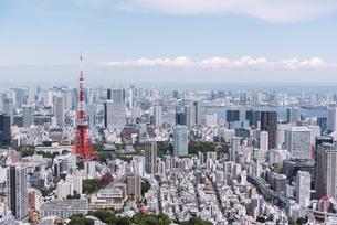 晴天の東京都心の都市景観の写真素材 [FYI04582362]
