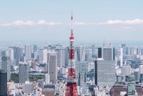 晴天の東京都心の都市景観の写真素材 [FYI04582371]