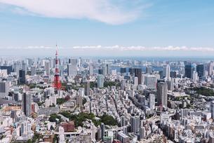 晴天の東京都心の都市景観の写真素材 [FYI04582372]