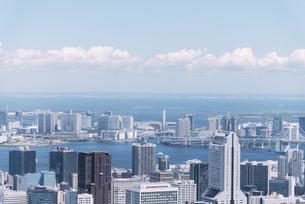 晴天の東京都心の都市景観の写真素材 [FYI04582375]