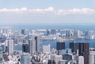 晴天の東京都心の都市景観の写真素材 [FYI04582381]