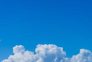空と雲の写真素材 [FYI04583063]