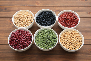 色んな豆類の写真素材 [FYI04583890]