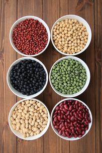 色んな豆類の写真素材 [FYI04583891]