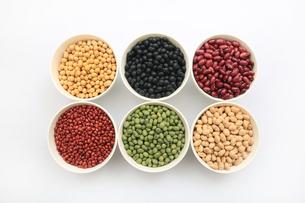 色んな豆類の写真素材 [FYI04583892]