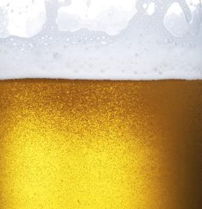 ビールの泡のクローズアップの写真素材 [FYI04584358]